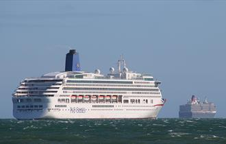 P and O Cruises ship Aurora