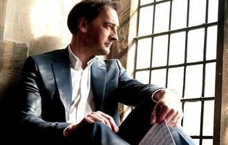 Alistair McGowan - The Piano Show